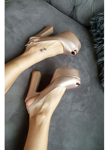Topukla Ayakkabı Pembe